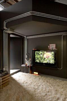 contemporary brazilian apartment - exposed conduit as an architectural element : I love conduit <3