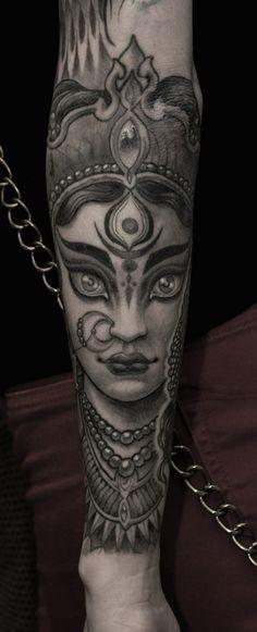 Tattoo`s & Piercings& Piercing Chest Woman Ideas Piercing Pecho Mujer Ideas Kali Tattoo, Krishna Tattoo, Tattoo Art, Body Tattoos, Sleeve Tattoos, Tatoos, Future Tattoos, Tattoos For Guys, Tattoo Deus