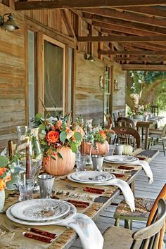The Location - Thanksgiving at the Farm - Southernliving. An 1890s heart-pine farmhouse in Nesmith, South Carolina, is the home of this family's 15-year-old Thanksgiving tradition.