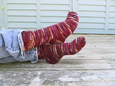 Ravelry: kibbin's Last Minute Slipper Socks for Emma - Volcanic Eruption on K2