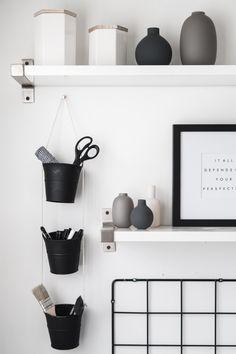 DIY Hanging Buckets Organizer – home office organization diy Hanging Organizer, Hanging Storage, Diy Hanging, Diy Storage, Iron Storage, Storage Organizers, Diy Organizer, Storage Jars, Office Storage