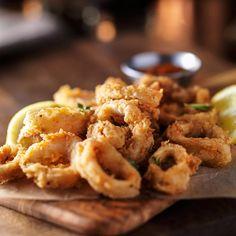 Φριτέζα αέρος: Απόλαυσε επιτέλους τηγανητά χωρίς <mark>ΚΑΘΟΛΟΥ</mark> τύψεις!  #πατατεςτηγανητες #τηγανισμαστοναερα #τηγανισμαχωριςλαδι #φριτεζα #φριτεζααερος #φριτεζαθερμουαερα FOOD & DRINKS Saffron Recipes, Saffron Rice, Onion Rings, Chicken Wings, Macaroni And Cheese, Waffles, Meat, Cooking, Breakfast