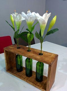 Diy florero con madera y botellas