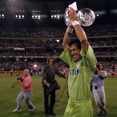 BRISBANE: Pakistan captain Misbah-ul-Haq summoned up the spirit of Imran Khan and his 1992 World Cup warriors on Saturday as the strife-hit Asian giants look to salvage their 2015 campaign. Imran Khan Pakistan, Pakistan Zindabad, Pakistan Politics, Icc Cricket, Cricket News, Imran Khan Cricketer, Cricket Quotes, Cricket World Cup, West Indian