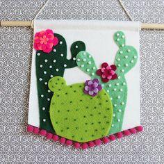 Felt wall Hanging - Cactus Wall Hanging Cactus Pennant Ready to ship. Felt Diy, Felt Crafts, Diy And Crafts, Arts And Crafts, Cactus Craft, Cactus Decor, Cactus Cactus, Cacti, Image Cactus