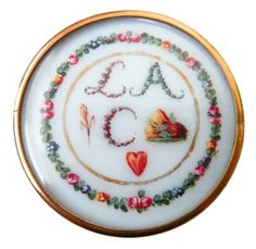 18th Century French Rebus Button. Elle a gagné ce mon coeur: She Has Won (This) My Heart.