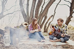 ooooh! Rustic outdoor/camping engagement!