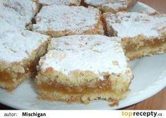 Křehký jablkový koláč recept - TopRecepty.cz Apple Dessert Recipes, Sweet Desserts, Sweet Recipes, Cake Recipes, Czech Recipes, Yummy Treats, Cheesecake, Good Food, Food And Drink
