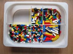: Legos sortieren - Home Page Cleaning Ceiling Fans, Lego Table, Lego Storage, Toy Rooms, Lego Duplo, Lego Friends, Legos, Kids And Parenting, Interior Design Living Room