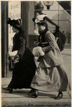 Notting Hill, North Kensington, London (20 July 1906)