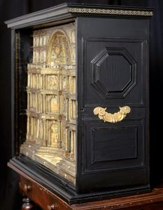 Venetian cabinet, c. 1600, collection of the Chateau d'Ecouen.