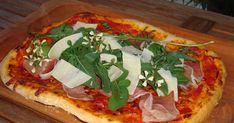 Körülbelül 20 éve sütök házilag pizzát. Az elmúlt években ezt a pizza tészta alapreceptet alkalmazom, most úgy tűnik, ez a véglege... Hungarian Recipes, Hungarian Food, Winter Food, Vegetable Pizza, Vegetables, Foods, Food Food, Food Items, Hungarian Cuisine