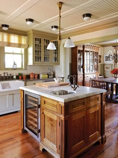 Country Kitchen Island | photo Janet Kimber | design Philip Mitchell | House & Home