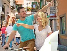 NEW Olicity travel picture released by Guggenheim. If you have a Twitter account go RT and leave a reply here