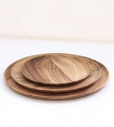Plates of Acacia wood, made by Kinta