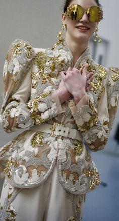 Elie Saab Elie Saab, Fashion Details, Victorian, Colors, Gold, Dresses, Bonito, Vestidos, Dress
