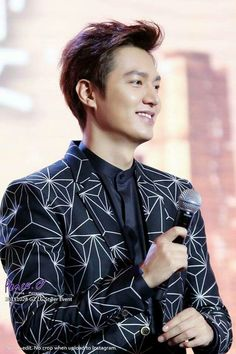 (Part 20) In 28-10-2015 Lee Min Ho for LG Styler Launch Celebration Dinner in Guangzhou.