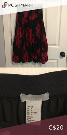 Red and black pleated midi skirt size 6 Lovely red floral on back background pleated midi skirt from H&M size 6 Flowy with black underlayer giving it lots of movement Hits right below the knee H&M Skirts Midi Black Pleated Midi Skirt, Burgundy Midi Dress, Tulip Skirt, Striped Midi Dress, Boho Skirts, Cute Skirts, Bubble Skirt, Linen Skirt, Floral