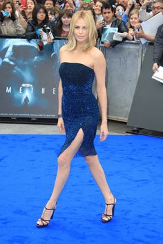 Charlize Theron is beautiful in blue at Prometheus world premiere