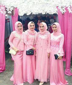 Ideas Dress Brokat Hamil For 2019 Hijab Gown, Hijab Dress Party, Hijab Style Dress, Dress Brokat Muslim, Kebaya Muslim, Kebaya Dress, Blouse Dress, Kebaya Hijab, Batik Muslim