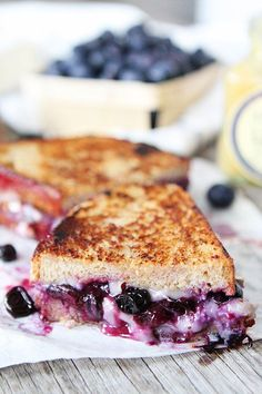 Blueberry, Brie and Lemon Curd Grilled Cheese-a sweet and decadent grilled cheese sandwich that is perfect for dessert! Brie Cheese Recipes, Grill Cheese Sandwich Recipes, Soup And Sandwich, Burger Recipes, Steak Sandwiches, Brie Sandwich, Grilled Sandwich, Antipasto, Delicious Desserts