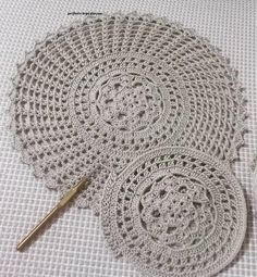Doily Centerpiece Placemat Home Decoration by Artistic NeedleWork Crochet Home, Crochet Crafts, Crochet Projects, Knit Crochet, Crochet Placemats, Crochet Doily Patterns, Crafts For Teens To Make, Diy And Crafts, Small Centerpieces
