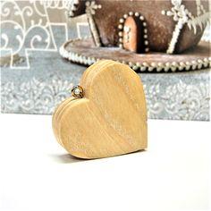 Traditional Heart Handmade Wooden Decoration Traditional Gifts for people you Love! Wooden Decor, Handmade Wooden, Wood Art, Coin Purse, Traditional, Purses, Wallet, Decoration, Heart