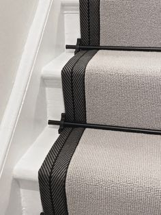 Wool Stair Runners Bowloom wool loop stair runners with Stripe tape fitted in London. House Stairs, Carpet Stairs, Room Carpet, Hallway Inspiration, Interior Design Inspiration, Entrance Hall Decor, Victorian Hallway, Stair Decor, Hallway Designs