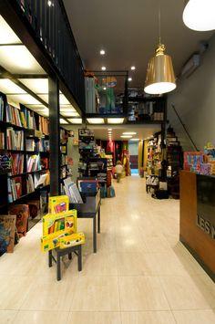 """ibrairie pour enfant """"les modernes"""" grenoble. Bookshop for children's by Buildings & Love Architecture- Grenoble-Paris"""