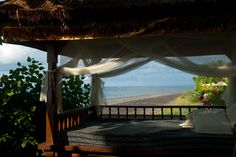 https://flic.kr/p/8kEi3Z | Bali Beach House - Bale by Jesse Wagstaff courtesy of Flickr Creative Commons licensed by CC BY 2.0 https://creativecommons.org/licenses/by/2.0/