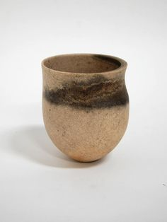 Artist: Jennifer Lee, Title: Speckled stone, smoky and olive haloed bands, shelf rim, 2009 - click to close window