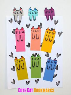 DIY Super Cute Cat bookmarks - turn paint chips into cute bookmarks with this easy tutorial Paper Bookmarks, Cute Bookmarks, Cool Diy, Diy Marque Page, Origami, Homemade Bookmarks, Bookmark Craft, Bookmark Ideas, Super Cute Cats