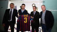 Javier Bordas, Jordi Torras y Marc Carmona han sido los encargados de entregar al Museo la Copa