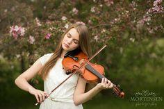 Senior girl with violin. Teen Portrait Photographer, Calgary AB www.mortensenphotography.ca
