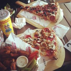 Tag whoever you'd like to share this lunch with. #BMPPBurbank  www.bigmamaspizza.com/locations/burbank/ Phone: (818) 841-8844