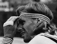 Bjorn Borg- Cambió en buena medida la forma de jugar al tenis imponiendo un nuevo estilo de juego desde el fondo de la pista.