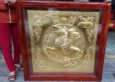 Tranh đồng mạ vàng thiết kế tinh xảo được mạ vạng 24k cao cấp, dùng cho trang trí nội thất gia đình văn phòng với nhiều mẫu đẹp. http://tonquy.com.vn/tranh-ma-vang-24k/