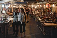 Hong Kong - the midnight Temple Street Markets ...what an experience