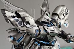 """MG 1/100 Sazabi """"Silver Color Scheme"""" Painted Build - Gundam Kits Collection News and Reviews"""