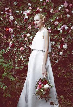 c3ba2fdeb7066 大流行の予感♡ツーピースのウェディングドレスが可愛くってエレガント♩