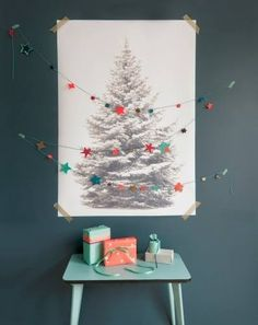 Gorgeus, modern colors for Christmas.  Coral and Mint.  Love the star garland too!