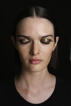 beauty inspo: the metallic smokey eye at jason wu