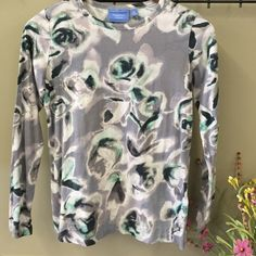 Simply Vera Floral Top Grey and green bold floral crew neck top. Simply Vera Vera Wang Tops Tees - Long Sleeve
