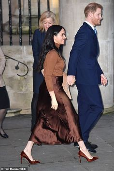 Prince Harry and Meghan Markle return to royal duty in London Harry And Megan Markle, Meghan Markle, Prince Harry And Megan, Harry And Meghan, Duke And Duchess, Duchess Of Cambridge, Duchess Kate, London In November, Canadian People
