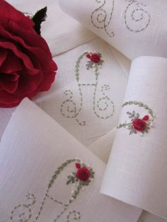 Elizabeth Hand Embroidery: layettes Birth and Baptism Embroidery Alphabet, Types Of Embroidery, Embroidery Monogram, Hand Embroidery Stitches, Silk Ribbon Embroidery, Embroidery Applique, Cross Stitch Embroidery, Machine Embroidery Designs, Brazilian Embroidery