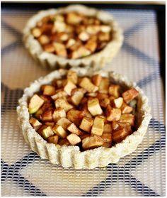 Raw apple tarts