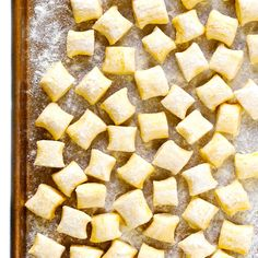 LOVE this ricotta gnocchi recipe! It's super quick and easy to make with just 4 ingredients, and perfectly light and pillowy and delicious. Pair them with any favorite Italian sauce, add them to a soup, toast them in some butter, or whatever else Ricotta Gnocchi, Gourmet Recipes, Vegetarian Recipes, Cooking Recipes, Vegetarian Laksa, Vegetarian Italian, Recipes Dinner, Healthy Recipes, Tostadas