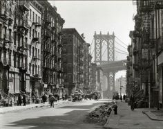 Pike and Henry, by Berenice Abbott 1936