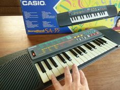 Vintage 90s /// CASIO SA-35 // Electronic Keyboard Synthesizer // Songbank // Low BIT sound // Digital Piano Toy on Etsy, $54.10