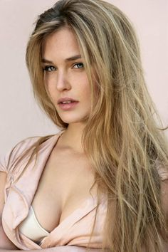 Bar Refaeli (June 4 is an Israeli born model, known most recently for her relationship with actor Leonardo DiCaprio. In Bar Refaeli graced the Bar Refaeli, Beautiful Models, Gorgeous Women, Beautiful Gorgeous, Gisele Bündchen, Pretty Face, Beauty Women, Supermodels, Hair Color